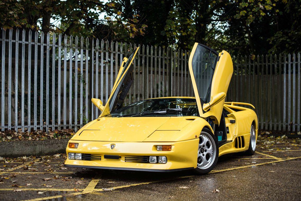 1468802_1996 Lamborghini Diablo SE30