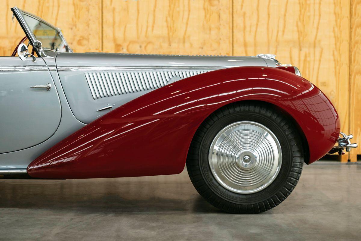 1946-Delahaye-135-Cabriolet-by-Figoni-et-Falaschi_9