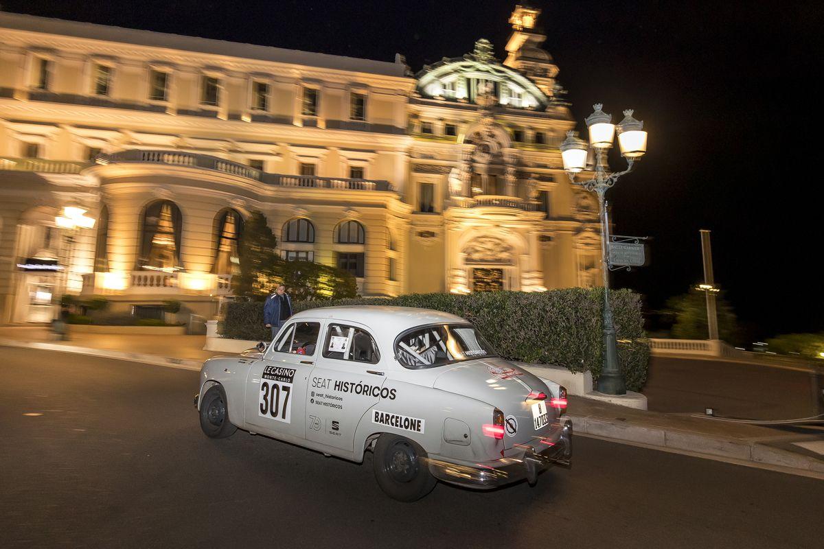 El-SEAT-1400-entre-los-mejores-en-el-Rallye-Monte-Carlo-Historico_02_HQ