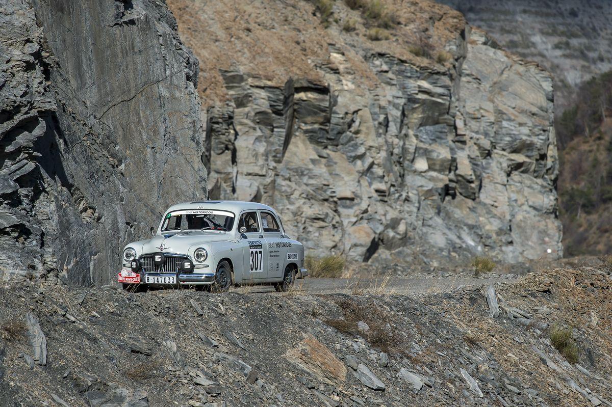 El-SEAT-1400-entre-los-mejores-en-el-Rallye-Monte-Carlo-Historico_06_HQ