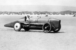 Malcolm Campbell at speed in Sunbeam 350hp at Pendine Sands slider