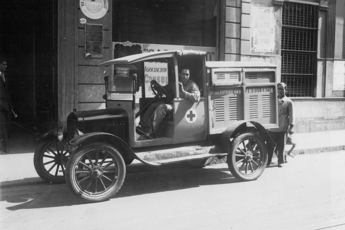 Ford T Ambulancia_slider