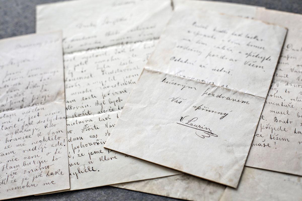 viaje-al-pasado-el-archivo-de-koda-reune-125-anos-de-historia-de-la-automocion (4)