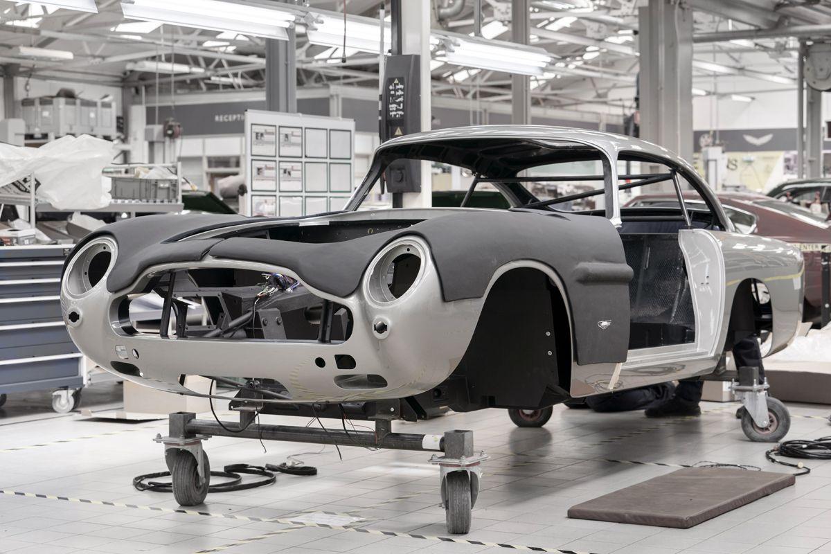 Aston Martin DB5 Goldfinger Continuation_04