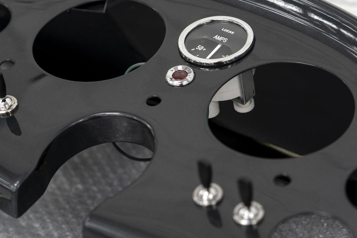 Aston Martin DB5 Goldfinger Continuation_17