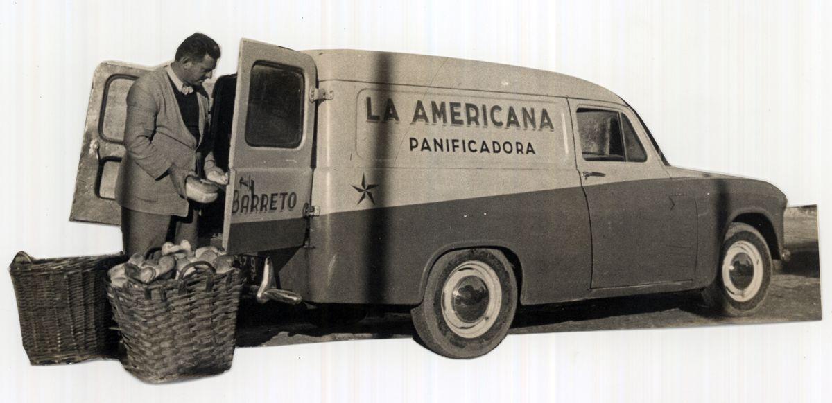 Uruguay_Cerro Largo_Melo_Camioneta de reparto de la panificadora La Americana_1952