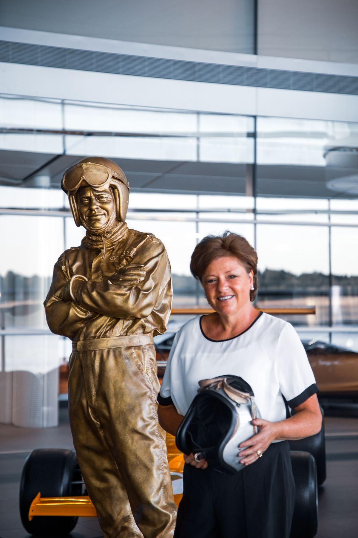 02062020_Amanda McLaren with Bruce McLaren statue