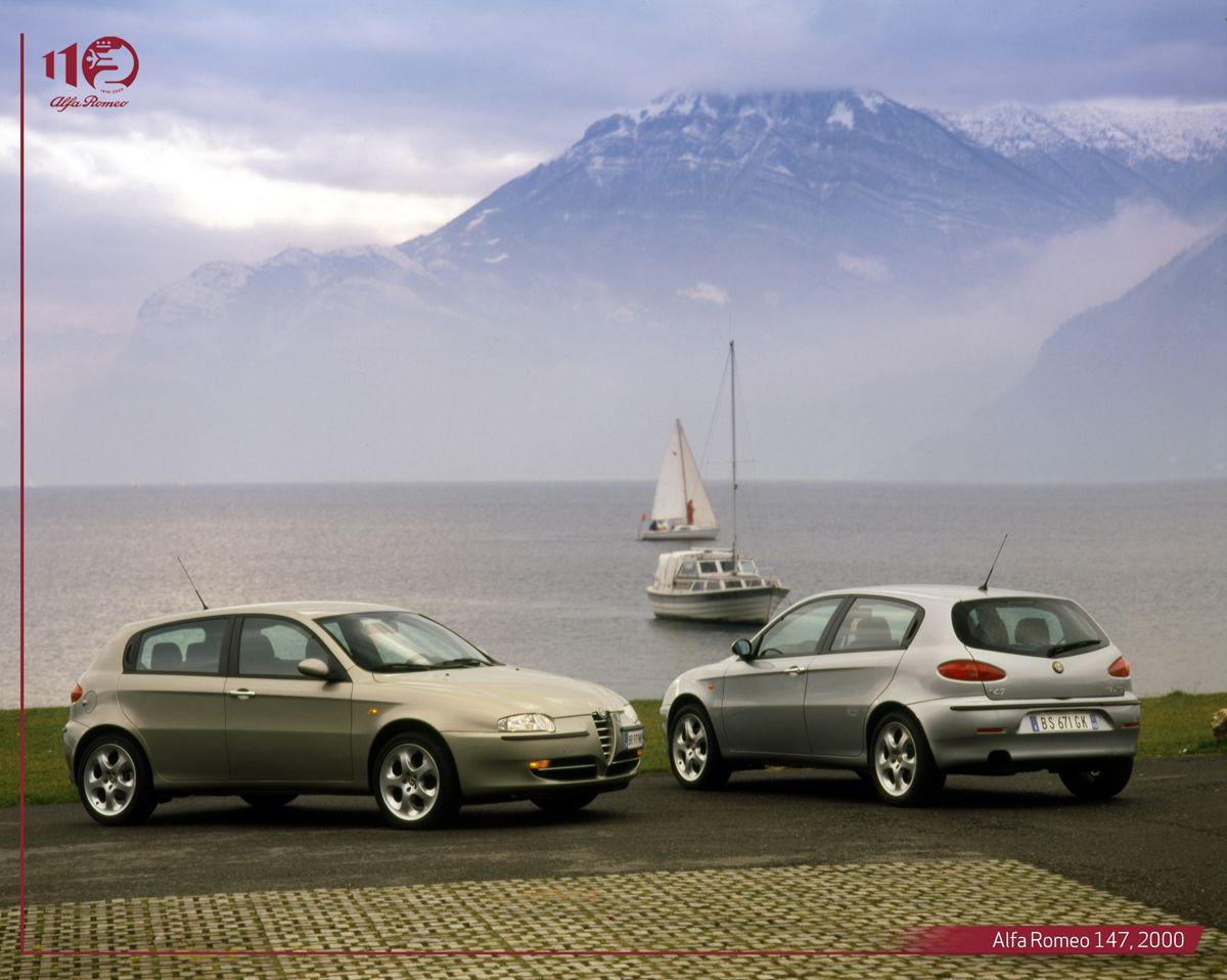 Alfa-Romeo-147,-2000