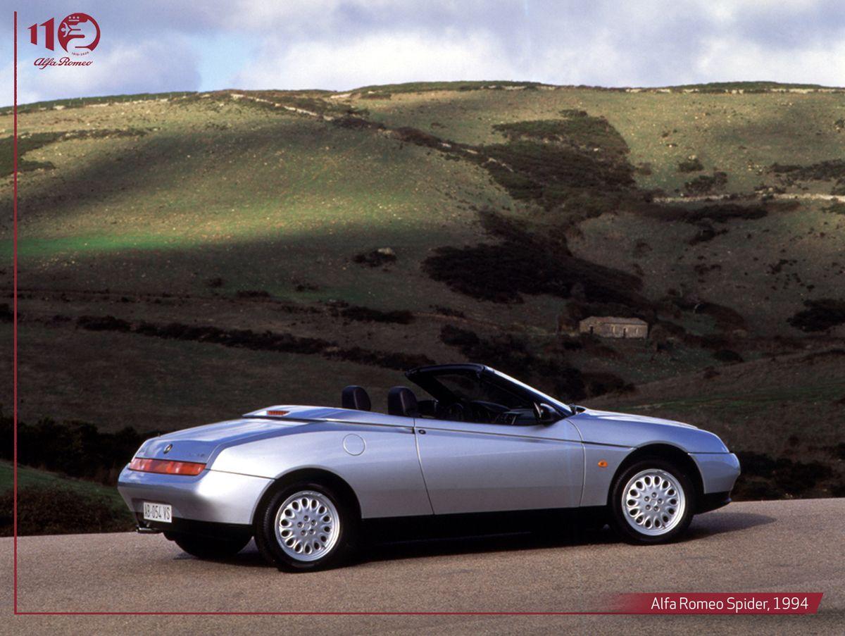 Alfa-Romeo-Spider,-1994