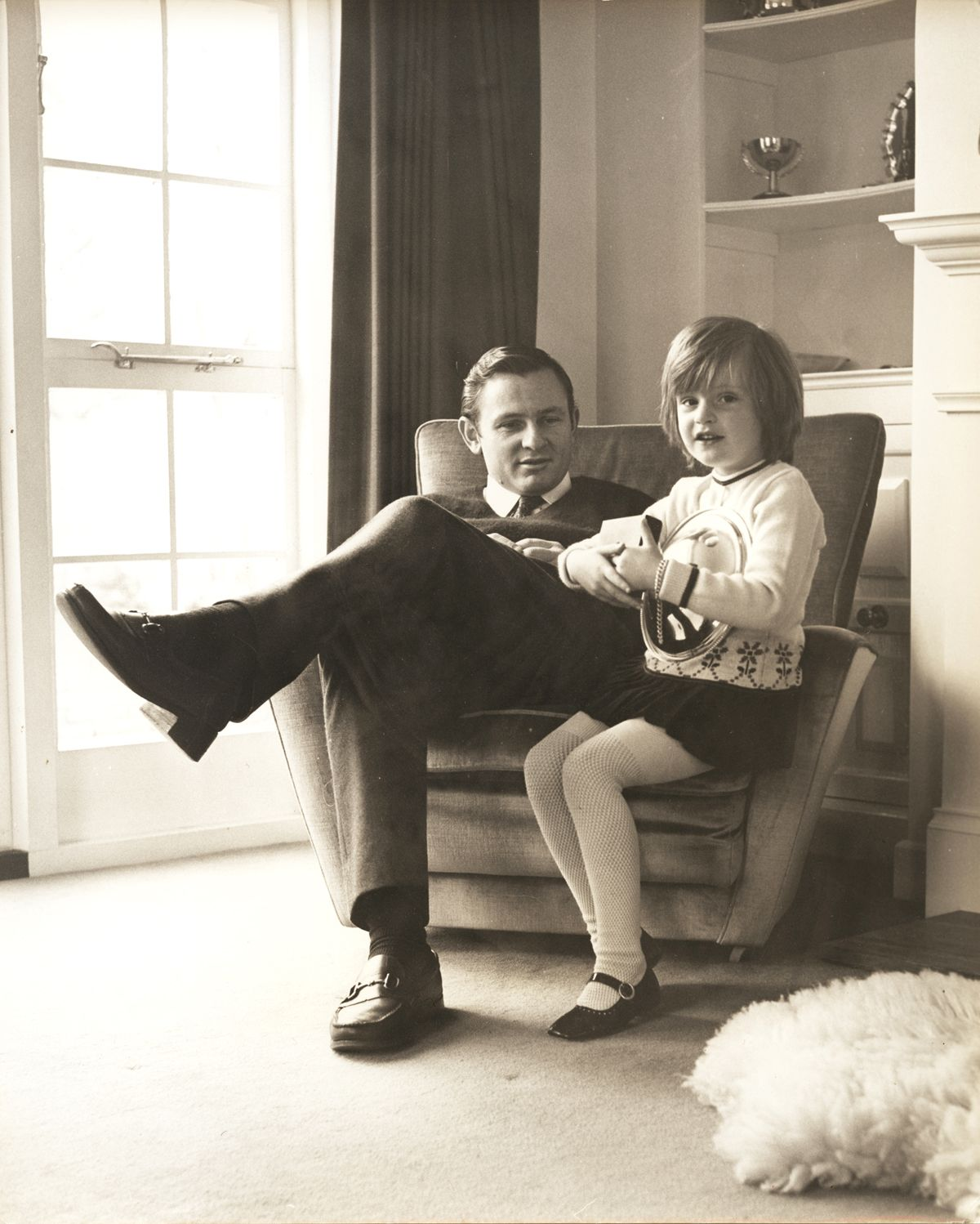 Bruce McLaren with daughter Amanda at the Muriwai House, Walton on Thames_UK_in 1969