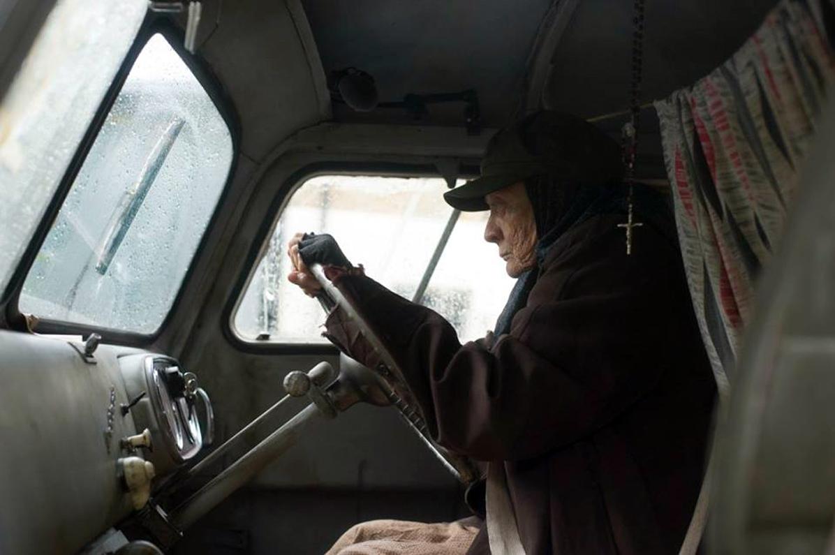 1146910_1957 Bedford CA Van filming 2 HR
