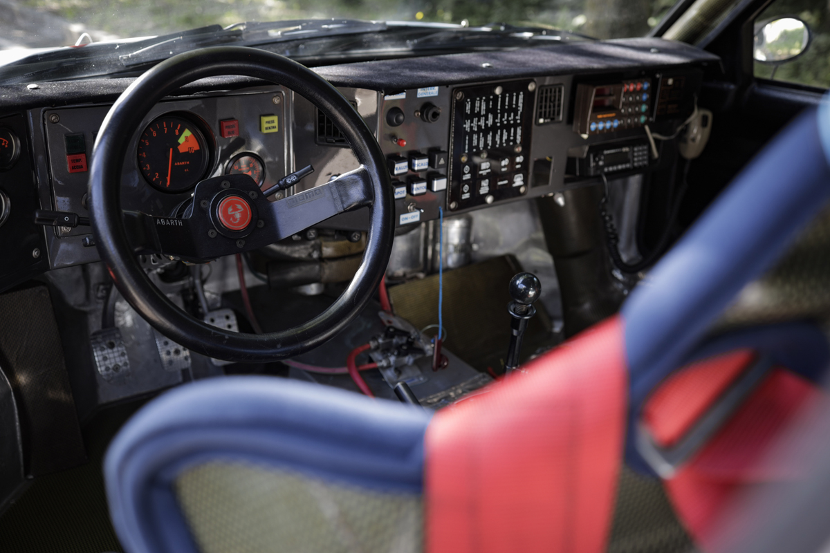 1985-Lancia-Delta-S4-Rally-_10