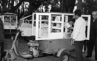 La Siambretta del pochoclero de San Isidro